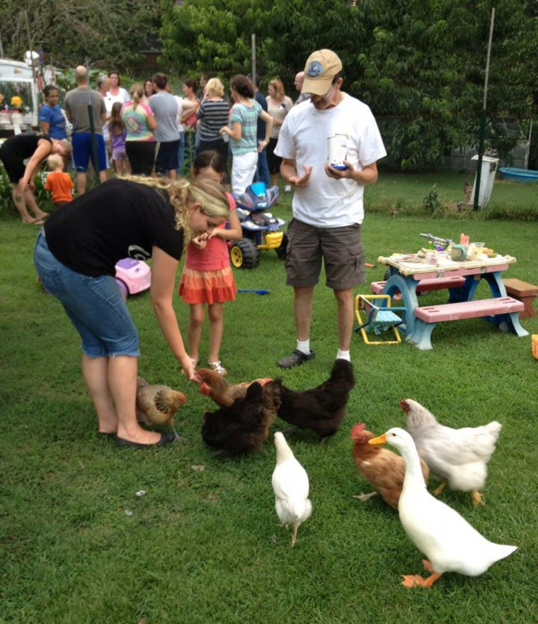 group spreads the word about backyard chicken coops