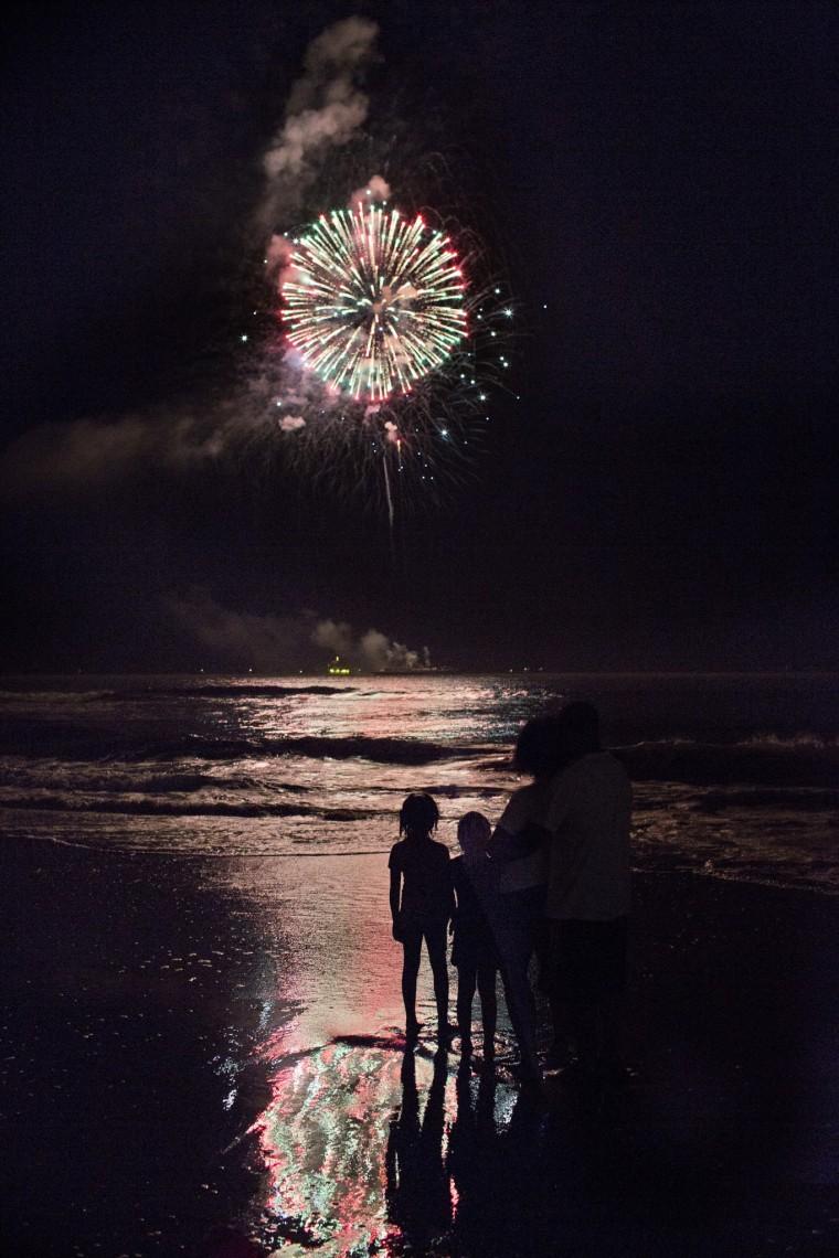 Oceanfront Va Beach Fireworks