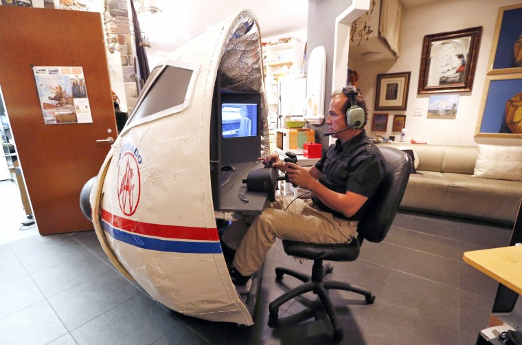 Va Man Builds Flight Simulator In His Living Room