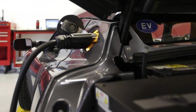 Tesla Plans Supercharging Station In Norfolk