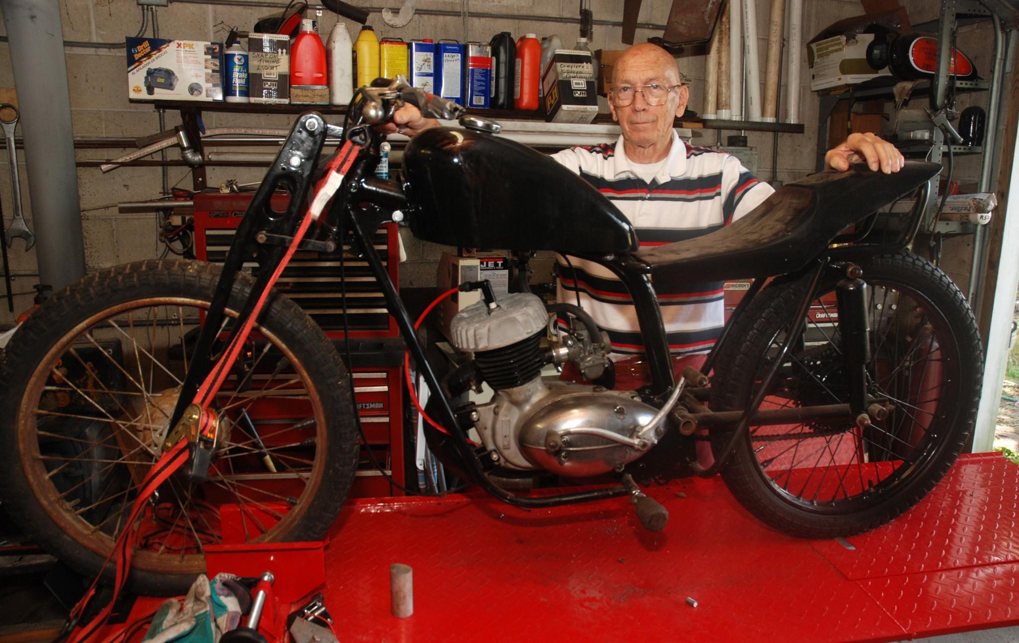 Eddies Vintage Motorcycles 38