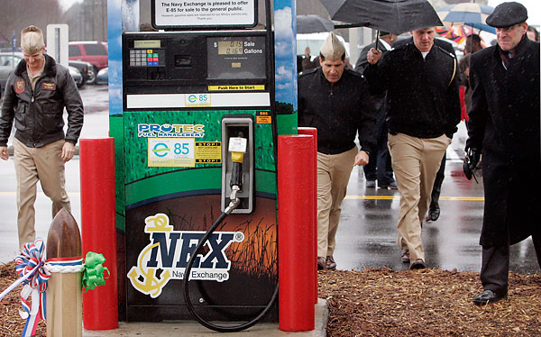 High-ethanol fuel gets first buyers pumped