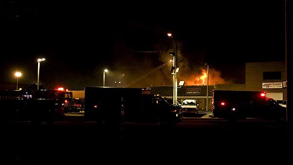 photos car dealership destroyed in beach blaze. Black Bedroom Furniture Sets. Home Design Ideas