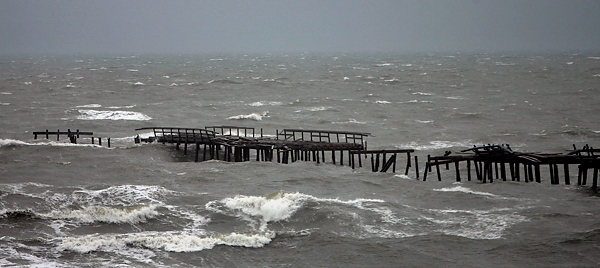 Commemorative boards offered to fix beach pier big boy for Lynnhaven fishing pier