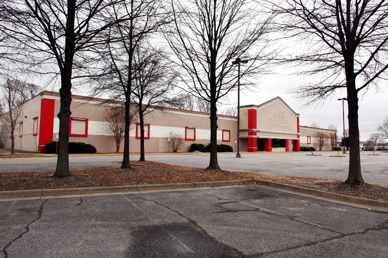 Vacant Furniture Store In Virginia Beach Size Poses Challenge