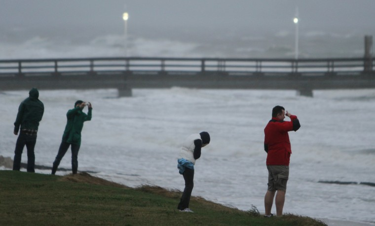 Photos wind rain from sandy blast hampton roads for Lynnhaven fishing pier report